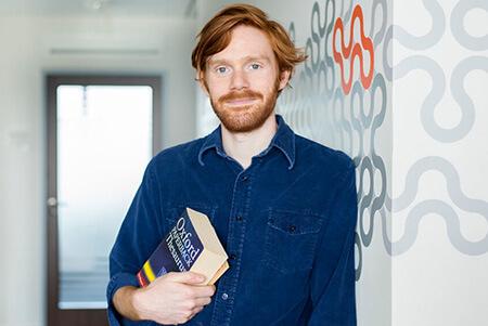 angol anyanyelvi tanár beszédközpontú üzleti angol tanfolyam
