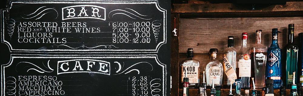 Szituációk kávézóban, bárban és kocsmában - Angol kifejezések utazáshoz és nyaraláshoz